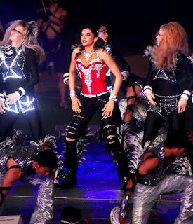Ruby warm Deepika burning in IPL'10 match ritual