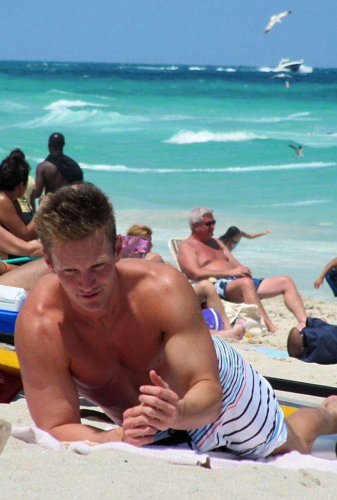 man jacking off on nude beach