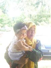 Bersama Nenek Tersayang