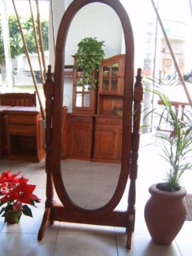 Mundoalgarrobo espejo de pie for Espejo de pie plateado