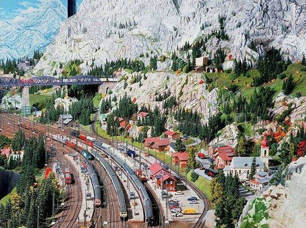 World%27s%2BBiggest%2BMiniature%2BRailway%2BModel%2B(7).jpg