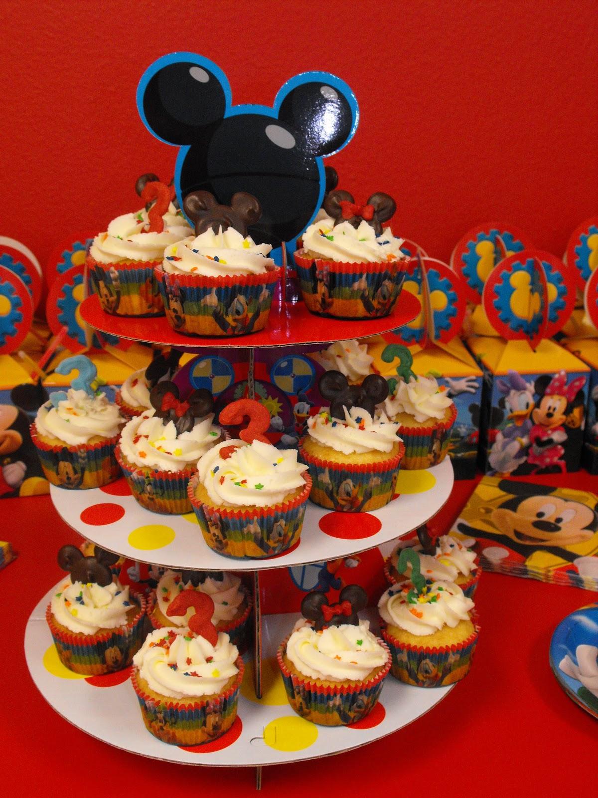Ajs Cupcakes Mickey Minnie Cupcakes