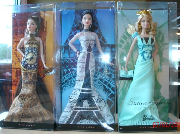 Dolls of The World Landmark Collection Dolls of The World Landmark