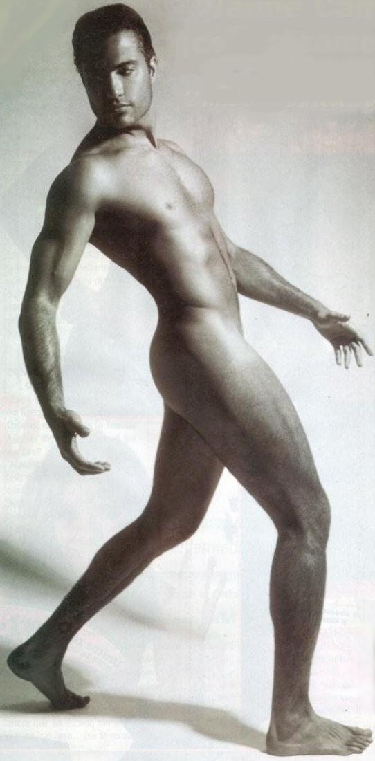 Jaime presley desnudo y caliente