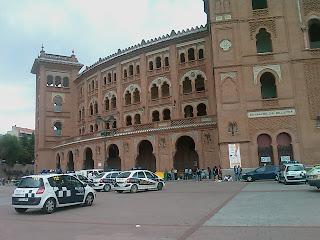 Presencia policial en los alrededores de Las Ventas una hora antes de que se abriesen hoy las taquillas