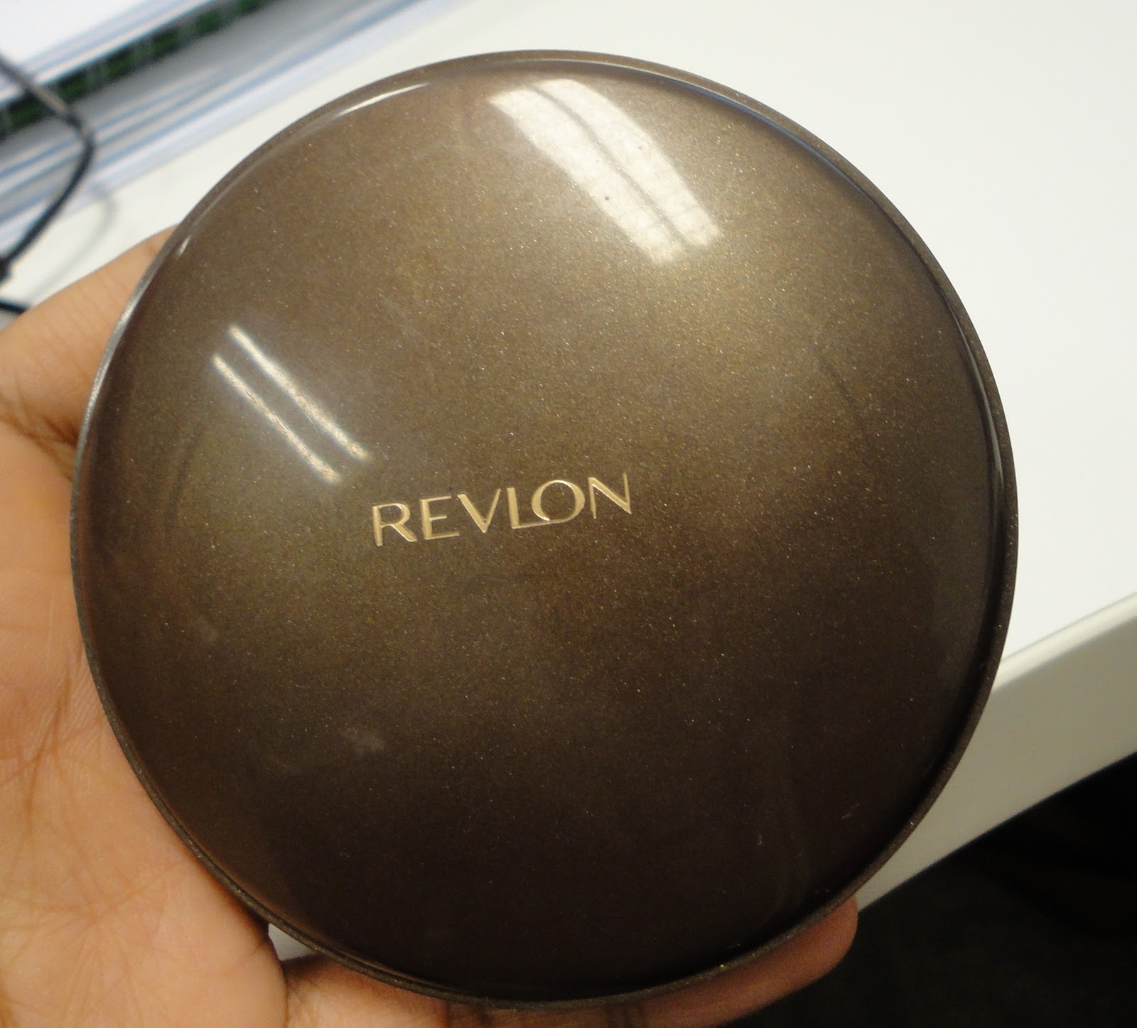 how to use revlon foundation