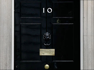Get to fixin 39 may 2010 for 10 downing street front door paint