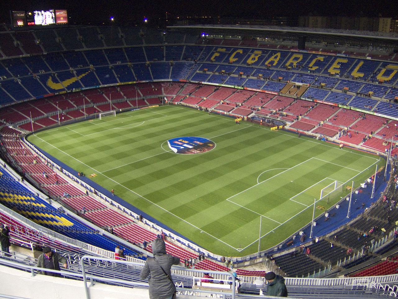 http://4.bp.blogspot.com/_-vYVAnsL9Hw/TSAnkk0-6oI/AAAAAAAAAFk/t7YTqD0E0bA/s1600/Barcelona-Stadium-wallpaper-790.jpg