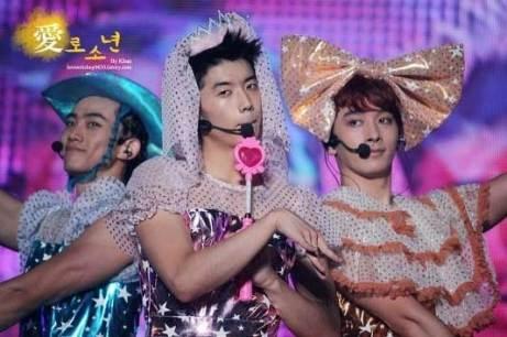 http://4.bp.blogspot.com/_-x7gqq9QJuA/TFem9oSAGeI/AAAAAAAAN10/CBUNgOoTmt8/s1600/1+koreabanget.jpg