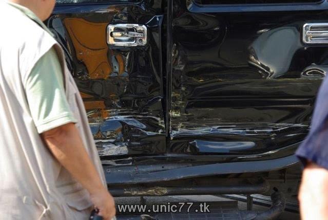http://4.bp.blogspot.com/_-x7gqq9QJuA/TH3Dk1xhzGI/AAAAAAAAQxQ/82py7Icv2U4/s1600/tramway_vs_hummer_02.jpg