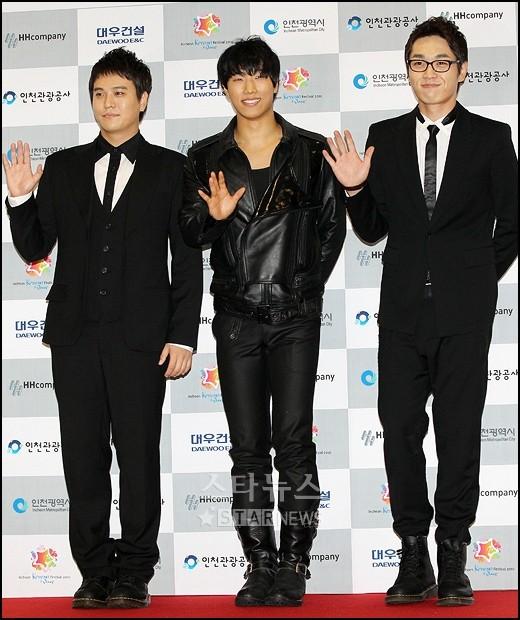 http://4.bp.blogspot.com/_-x7gqq9QJuA/THpxd8tgH6I/AAAAAAAAQX4/NUAZH0GVeVw/s1600/20100829_koreanwave_13.jpg