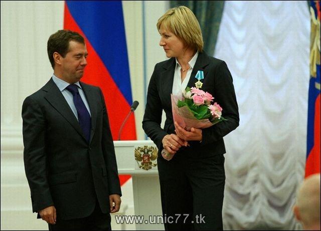 http://4.bp.blogspot.com/_-x7gqq9QJuA/TIBiw-v2VRI/AAAAAAAARjY/-TWlfLIMBQE/s1600/russia_president_07.jpg