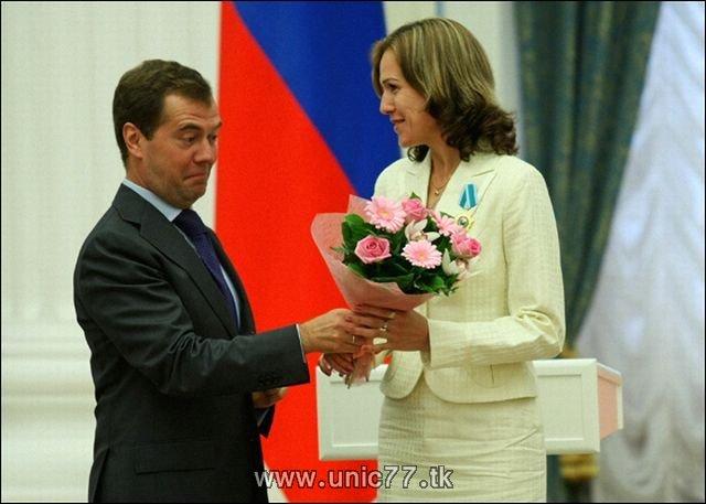 http://4.bp.blogspot.com/_-x7gqq9QJuA/TIBiwGjFDJI/AAAAAAAARjI/9kyGcG1z6A0/s1600/russia_president_09.jpg