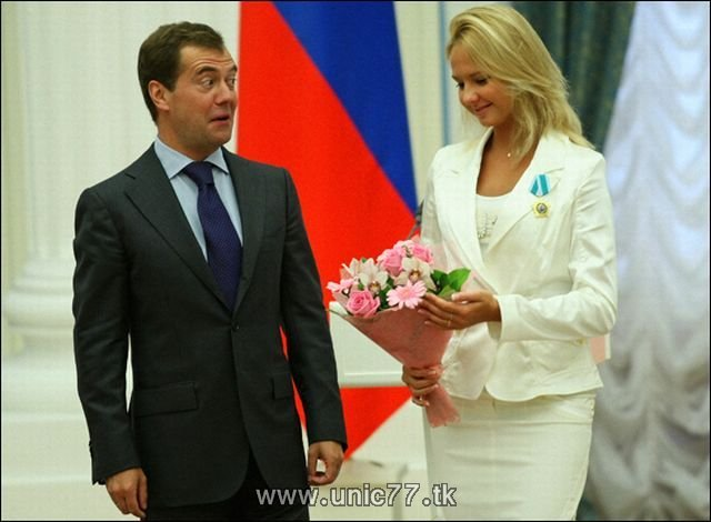 http://4.bp.blogspot.com/_-x7gqq9QJuA/TIBixX9cp5I/AAAAAAAARjg/WwLa4Bb0Cqc/s1600/russia_president_06.jpg