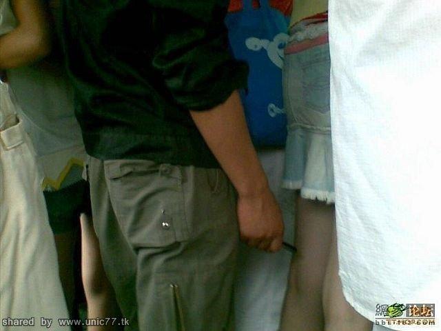 http://4.bp.blogspot.com/_-x7gqq9QJuA/TICkoinDqKI/AAAAAAAASAo/__hVBBa4ZGA/s1600/photo_underwear_02.jpg