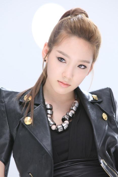 http://4.bp.blogspot.com/_-x7gqq9QJuA/TUOPbA4ylpI/AAAAAAAAU6Q/z8DAeUHmwYI/s1600/taeyeon-snsd.jpg