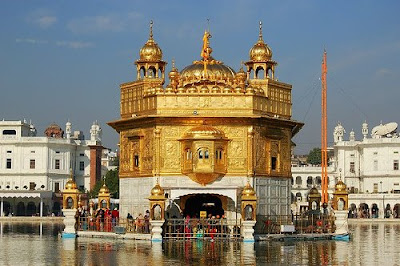 Golden Temple in Punjab, India (Harmandir Sahib)