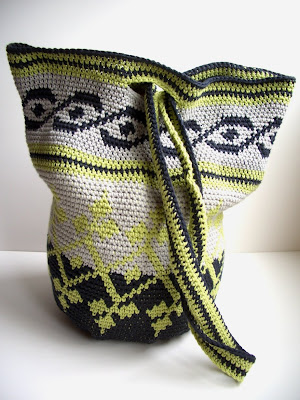 Smoking Hot Needles: Tapestry Crochet Bag
