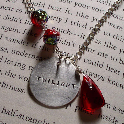 twilight inspired bella bracelet edward cullen jacob black wolf apple clasp swarovski crystal heart