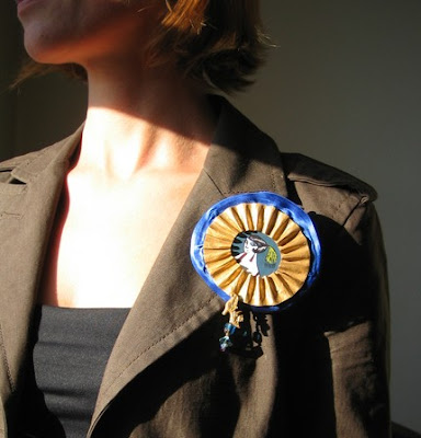 cardboard recylce upcycle art brooch