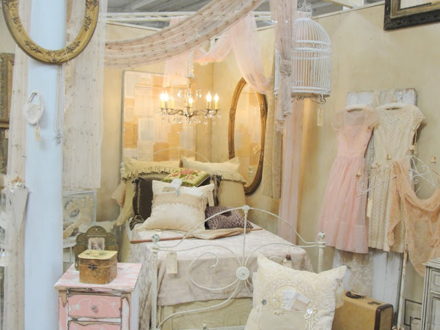 boudior, pink, dresses, dress, frock, bedroom, shabby chic, vintage, white, ivory, romantic, canopy, bed