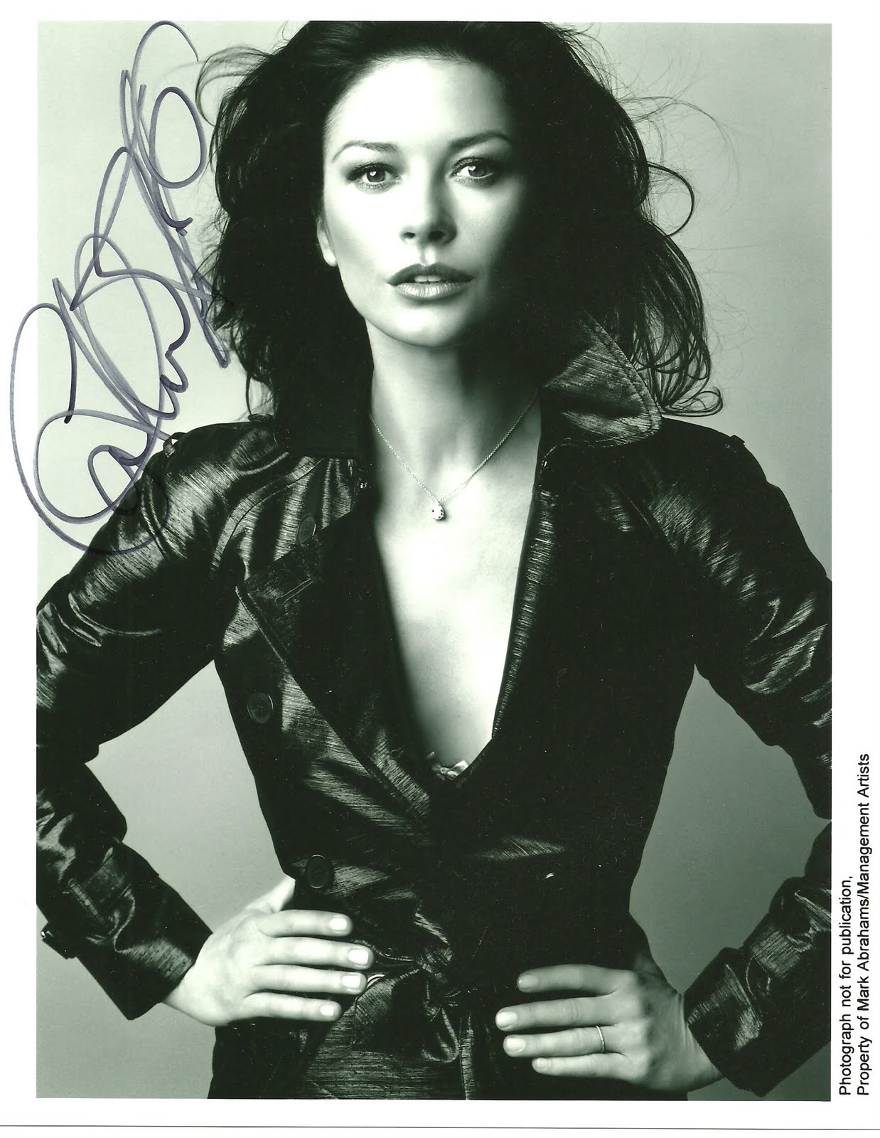 Catherine Zeta Jones - Photo Set