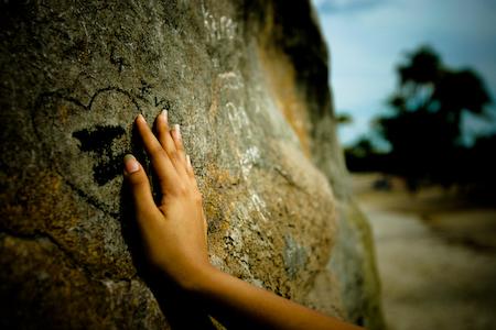 http://4.bp.blogspot.com/_0-Q_M5grV6I/TKuJ3F2PJNI/AAAAAAAAAgM/FFRnlevBQoA/s1600/loneliness-2.jpg
