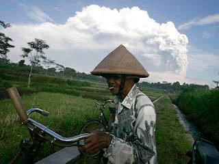 Foto Gunung Merapi Meletus