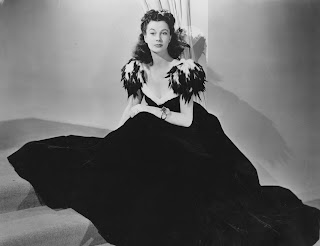 Vivien Leigh, con el modelo del baile de la Junior League