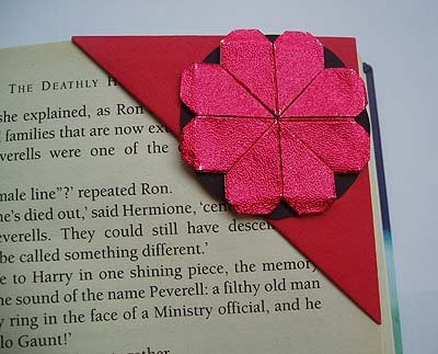 origami corner bookmark red clover