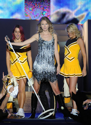 Taylor Swift Fashion Image