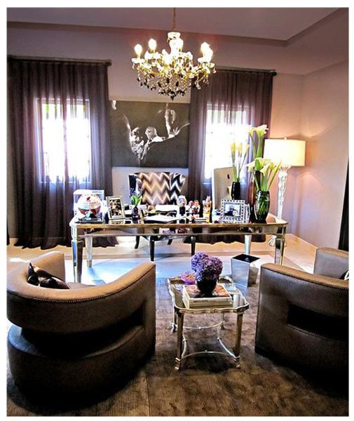 A touch of Luxe: Khloe Kardashian's home office