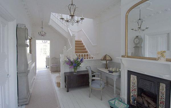 British Luxury Home
