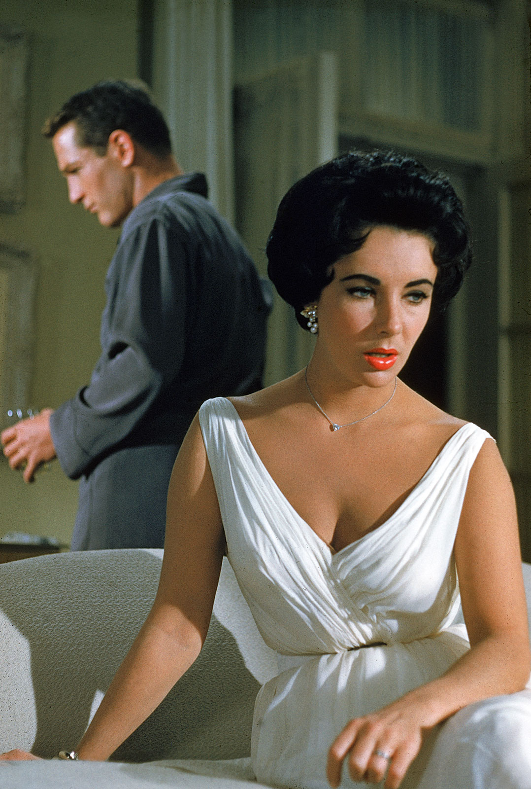 http://4.bp.blogspot.com/_04kZGR_ltmE/S-ZIUO-LgDI/AAAAAAAAHY0/bQJHJfeCu6Y/s1600/Cat-On-A-Hot-Tin-Roof-Paul-Newman-and-Elizabeth-Taylor.jpg