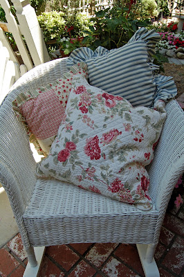 how to get rid of old pillows