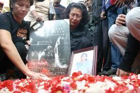-14 November 1998 dan dikenal dengan Tragedi Semanggi, dan lain-lain