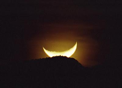 lua sorriso amarelo