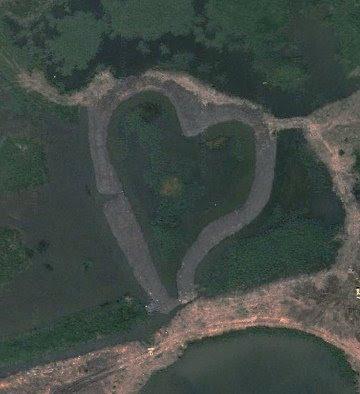 pantano forma coração