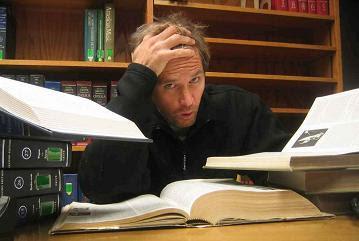 estudando duro enlouquecendo