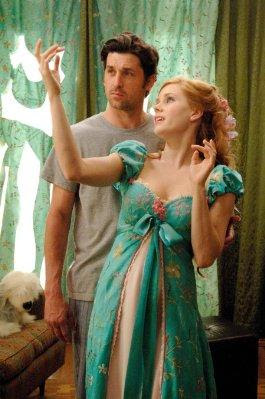 filme encantada vestido de cortina