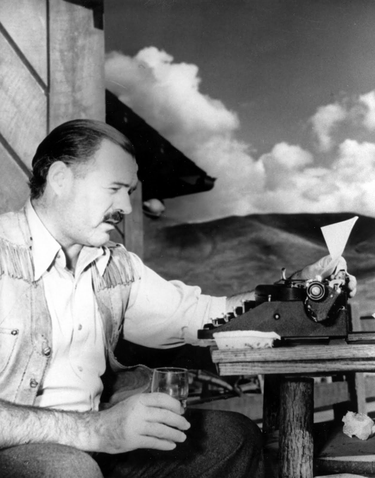 the themes involved in the writing of hemingway Hemingway: a study in gender and hemingway is exactly like his writing  hemingway involved himself in several war conflicts abroad inc luding world war i and.
