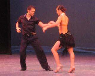 Vestuario para bailar salsa hombre y mujer