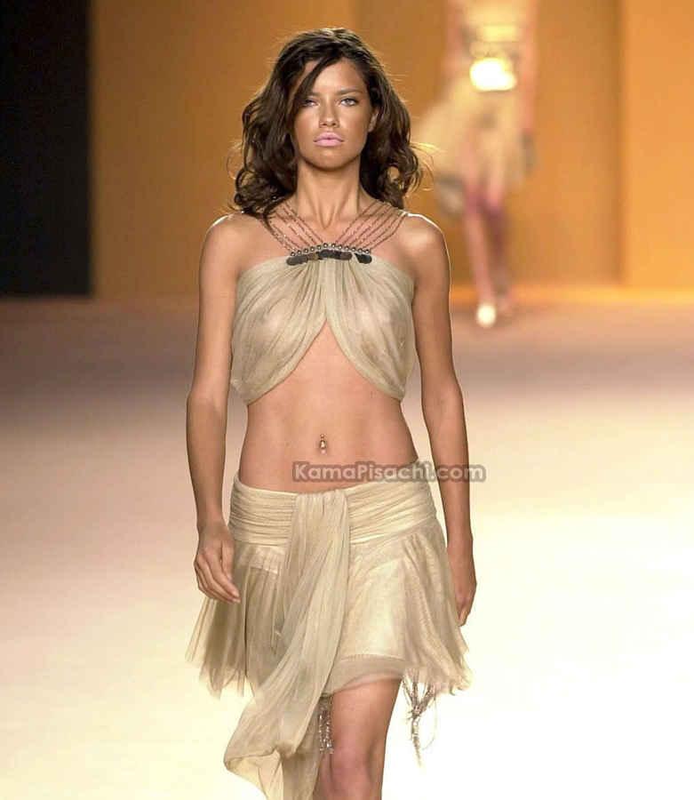 [Adriana+Lima+Nipples+slip+6.jpg]