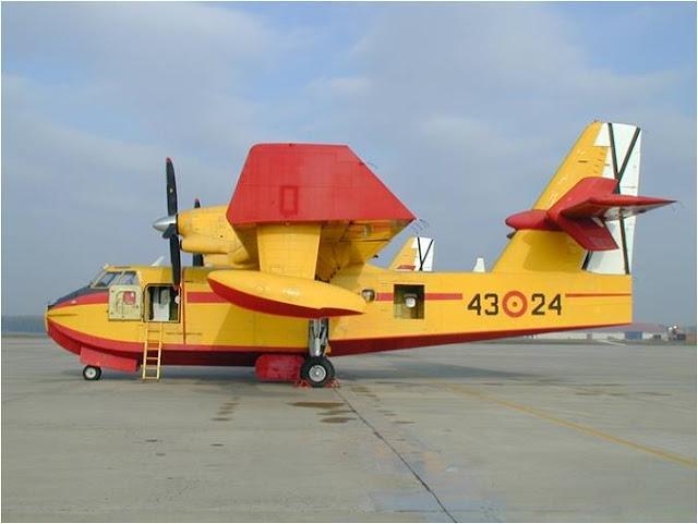 Canadair cl215t del 43 grupo en plataforma de la base aérea de Torrejón