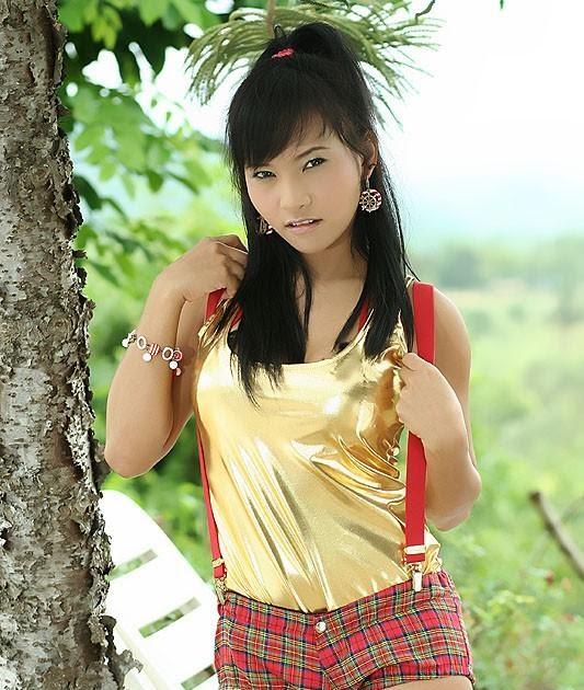 Lucy Thai Nude Photos 31