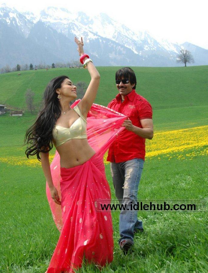 Shriya Saran Saree Strips by Raviteja navel & boobs show