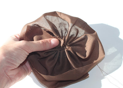 How to make a clutch from a placemat (tutorial) flower step 4 via lilblueboo.com