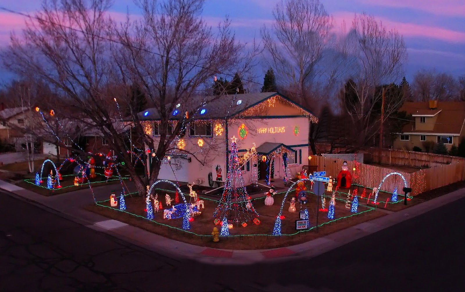 arvada residents tom and ed are hosting their 5th annual holiday light display through january 7 2011 37000 computer controlled holiday lights adorn