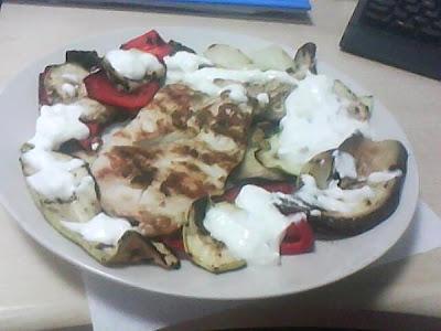 Articole culinare : Piept de pui cu legume la gratar