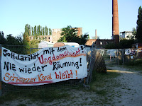 Schwarzer Kanal Wagenplatz; photo by Val Phoenix
